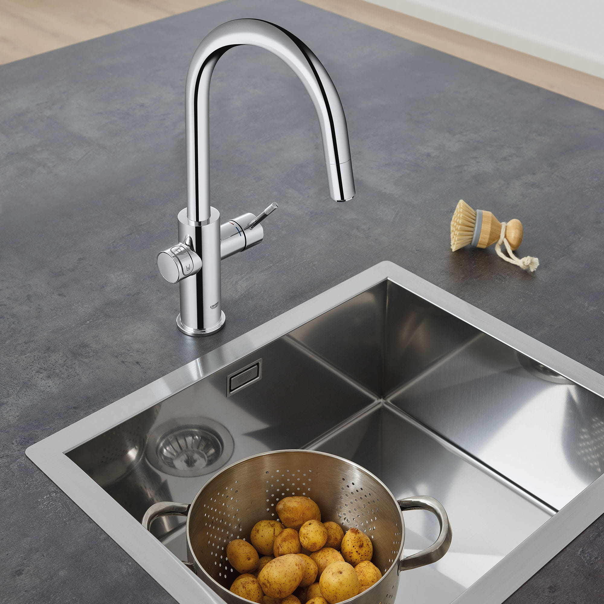 Single Handle Pull Down Kitchen Faucet Single Spray 175 GPM Chilled and Sparkling Water GROHE CHROME