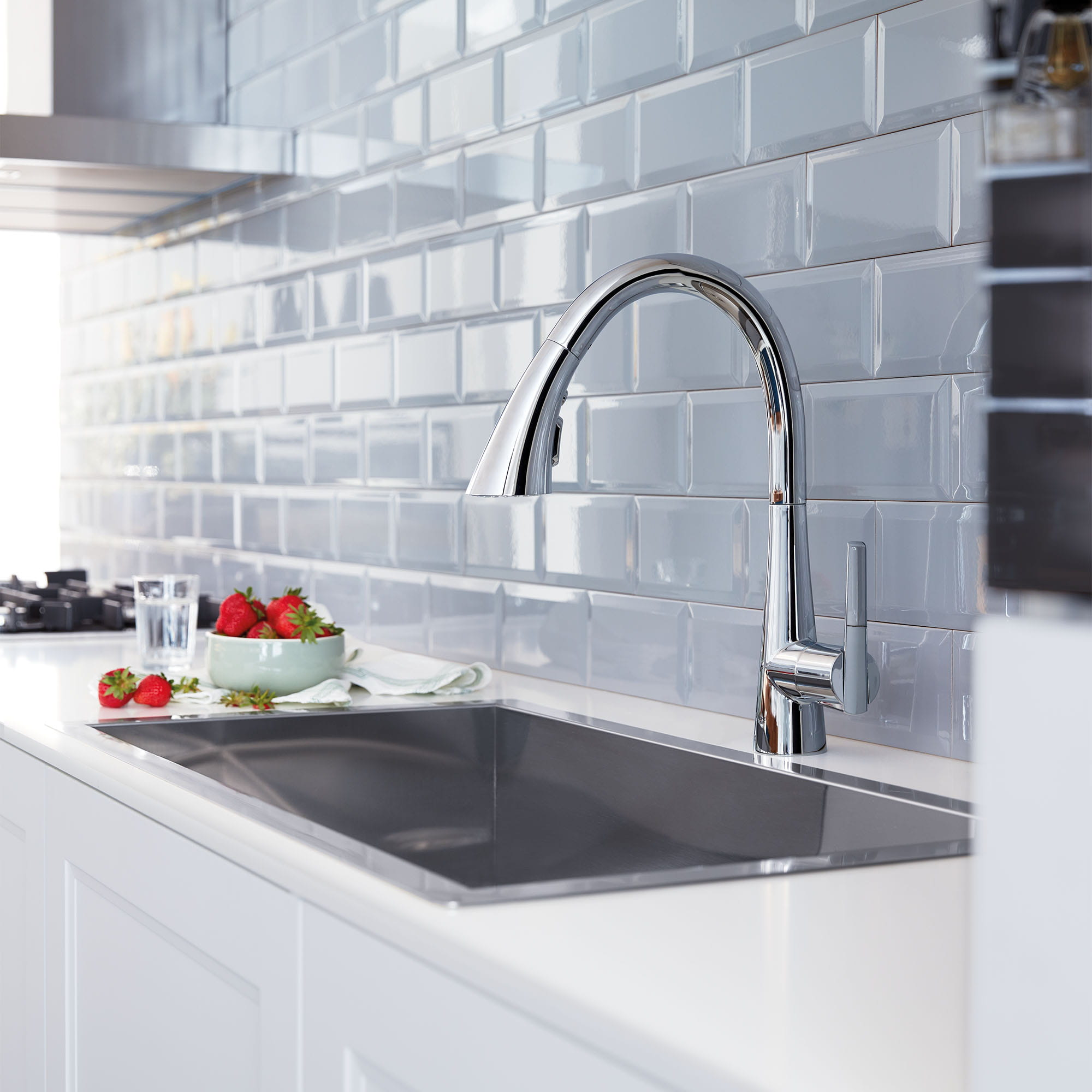Single Handle Pull Down Kitchen Faucet Triple Spray 1 75 Gpm