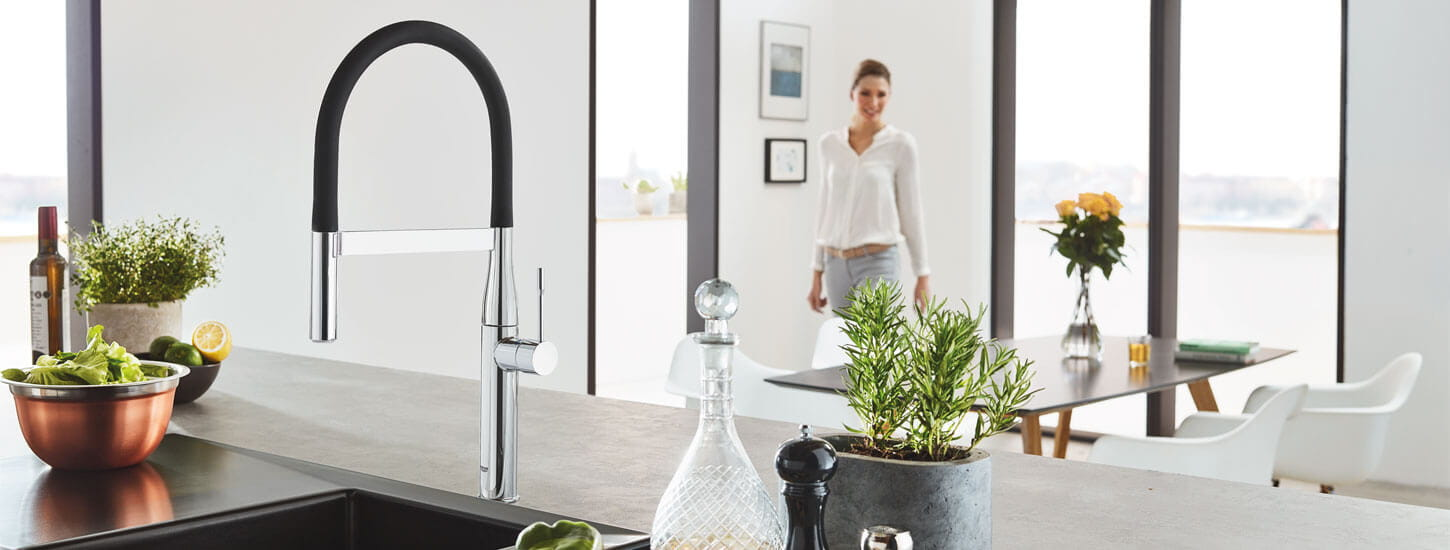 GROHE Essence Kitchen Faucet