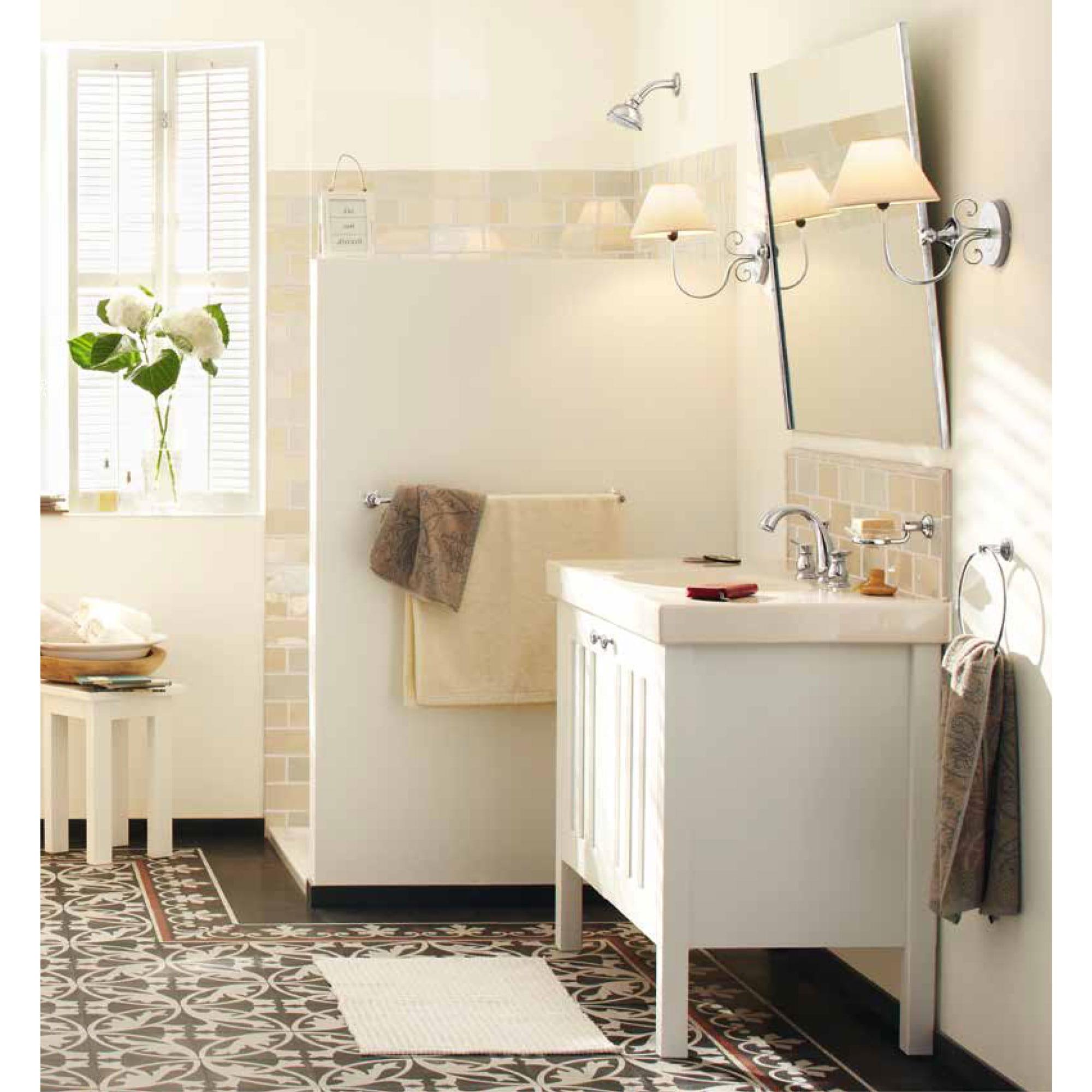 salle de bains thème crème avec évier blanc