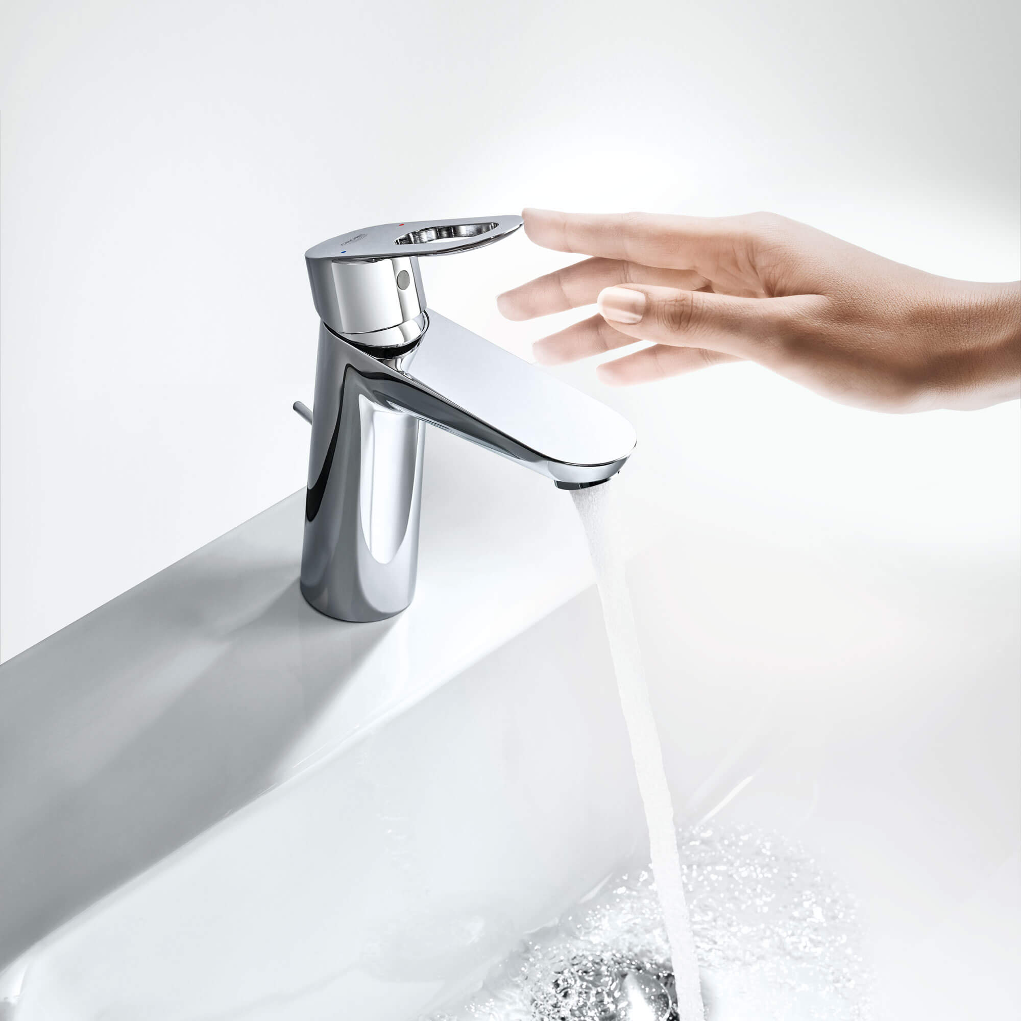 Bauloop Bathroom Sink Faucet by Grohe with Running Water
