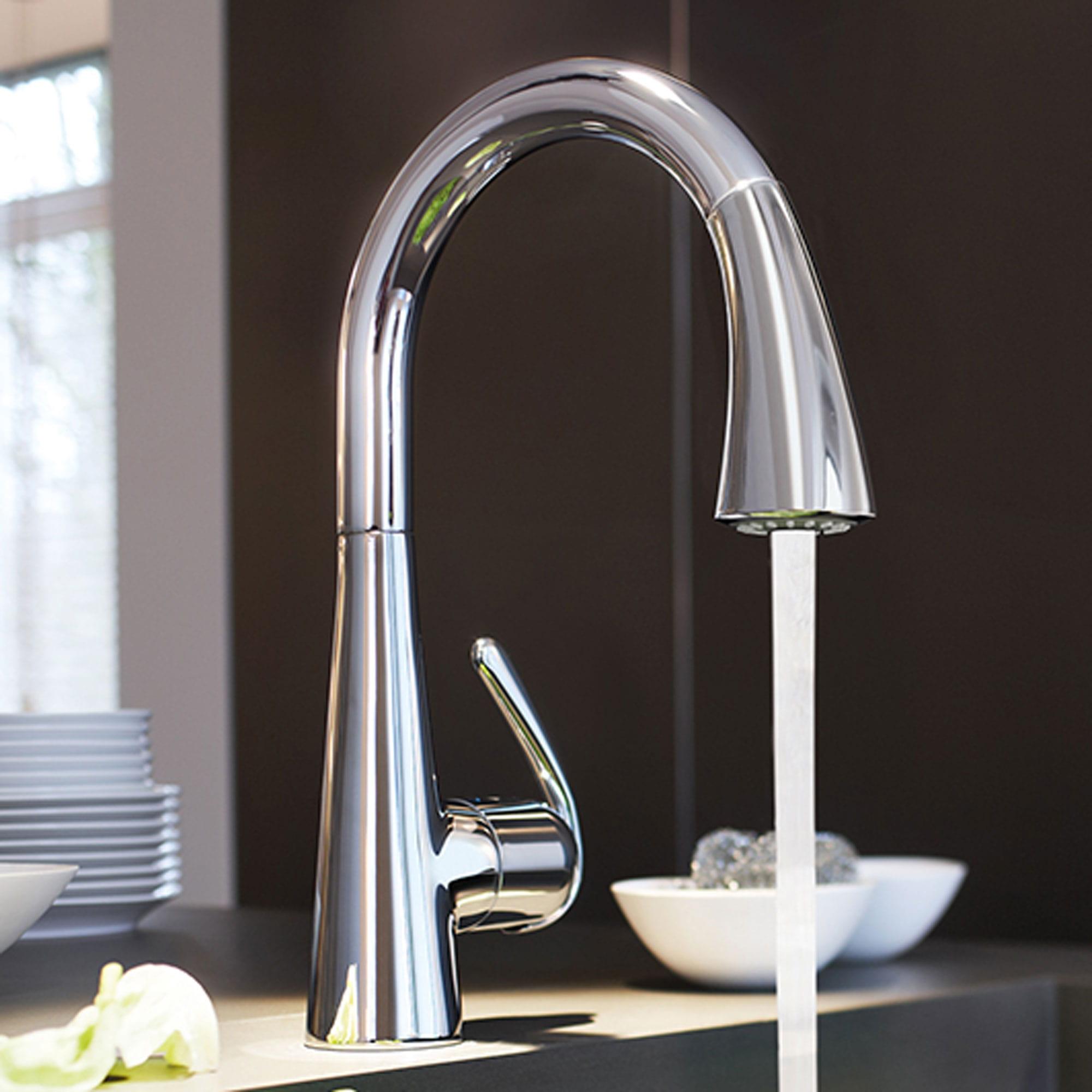 robinet de cuisine avec eau courante