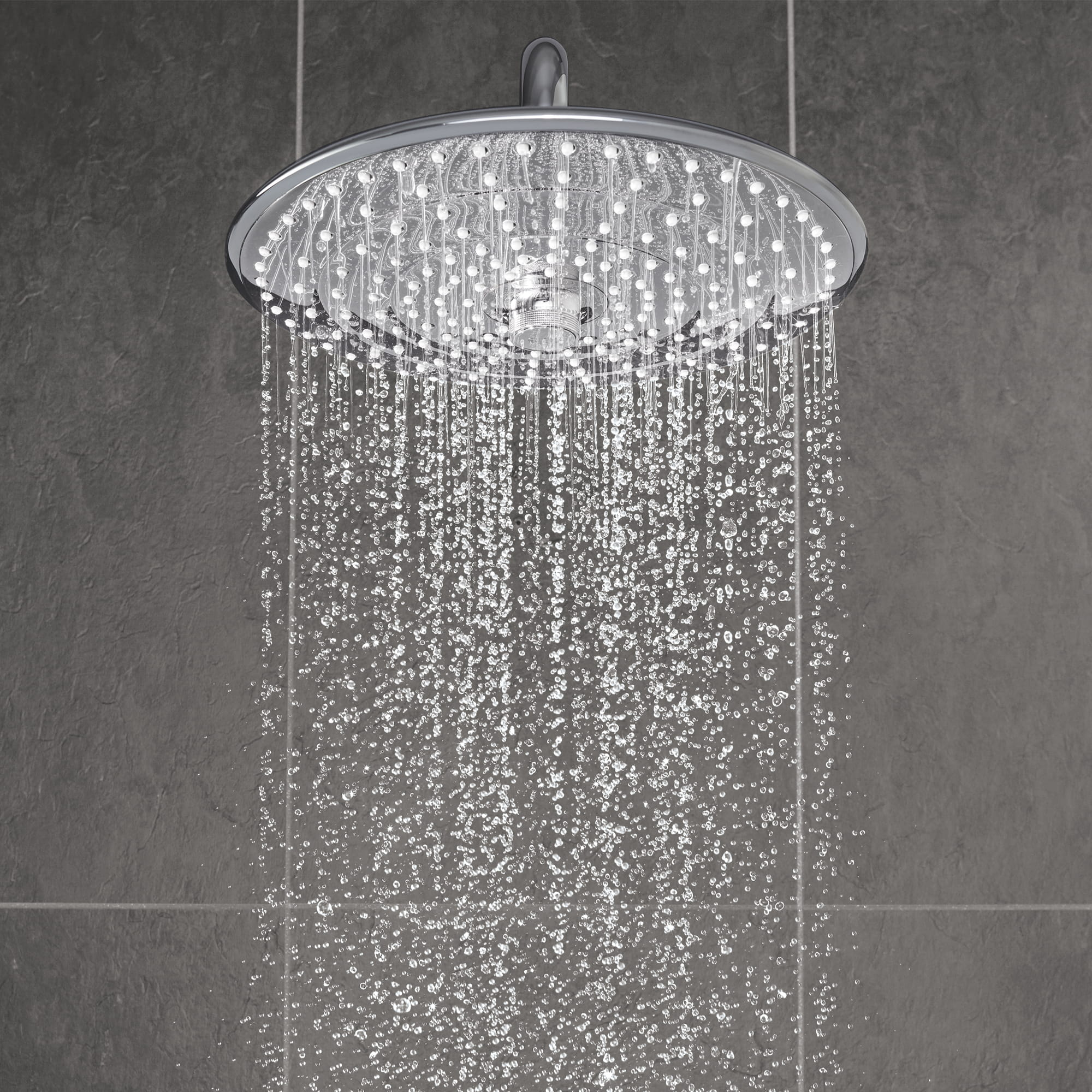 Shower head displaying SmartRain spray.