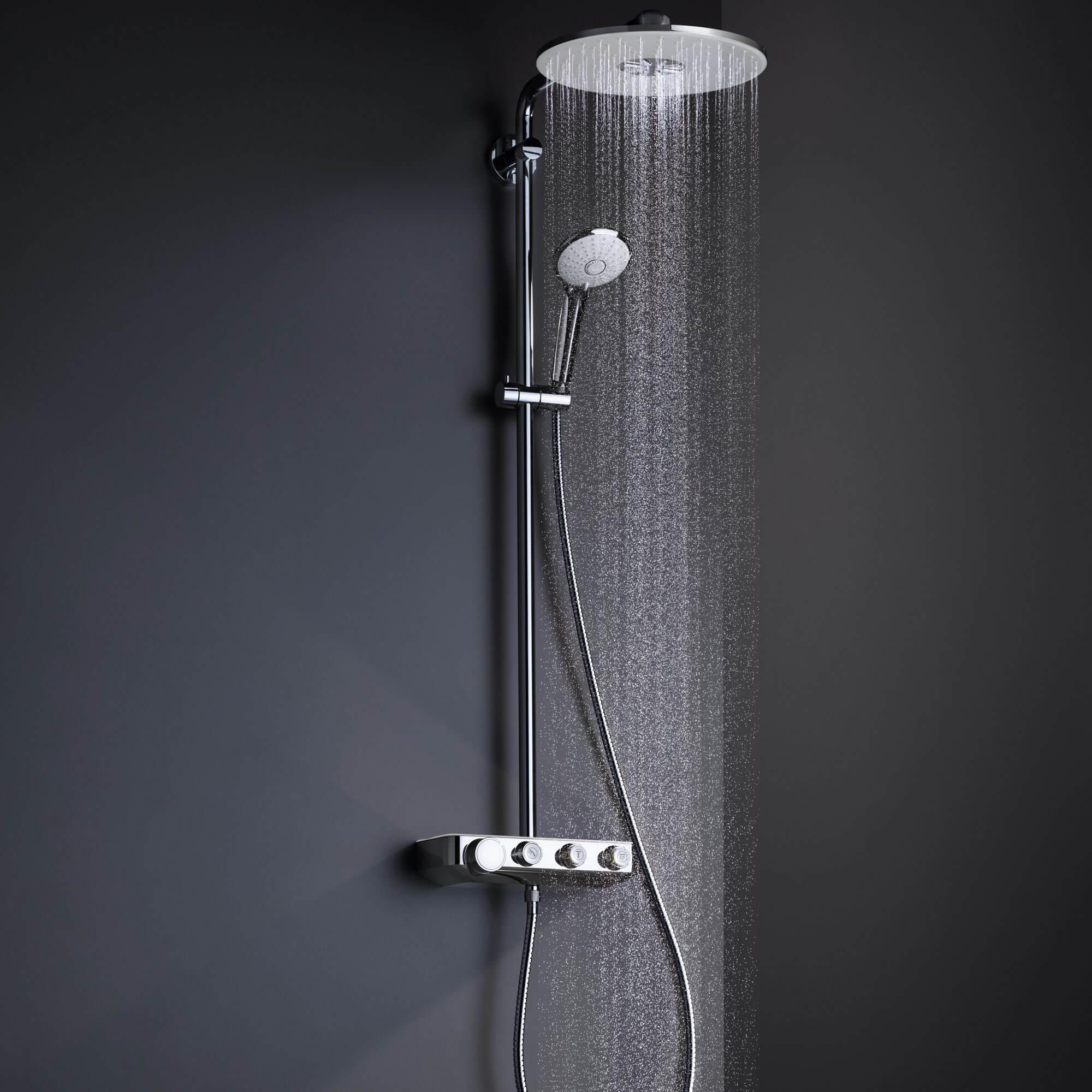 Euphoria SmartControl douche pulvériser de l'eau.