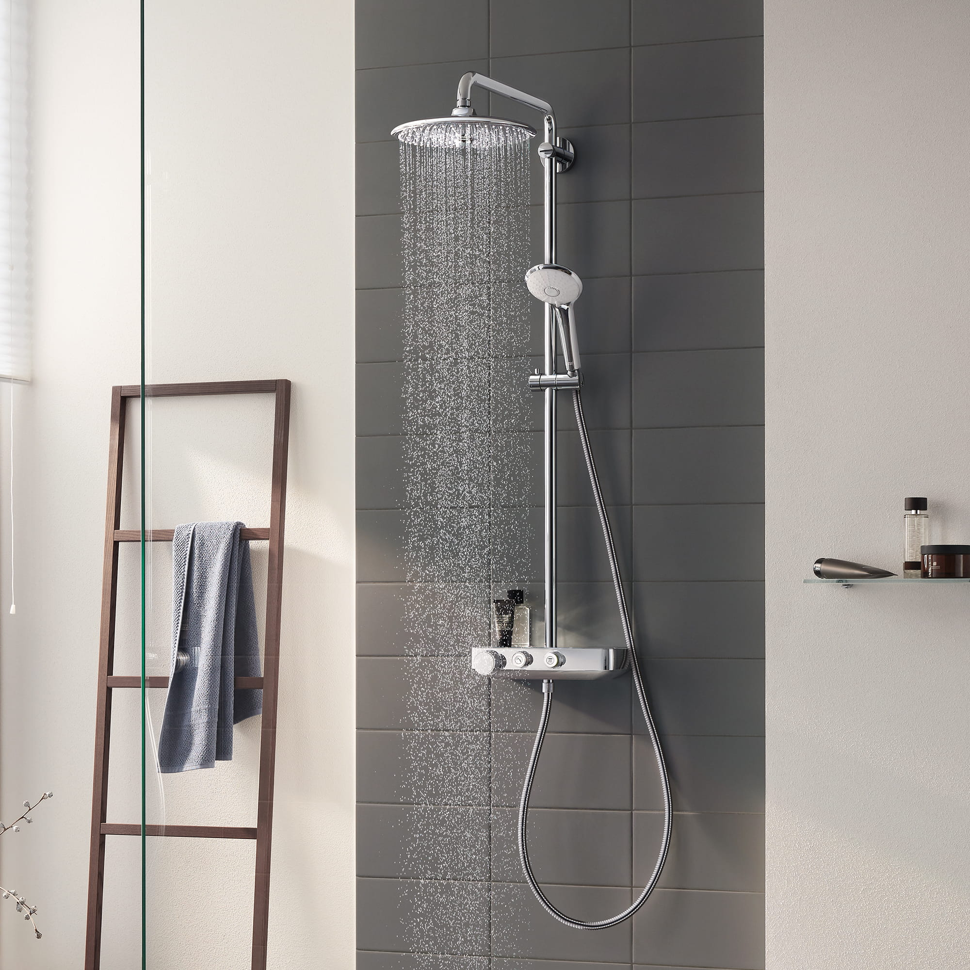 Euphoria SmartControl shower water spray