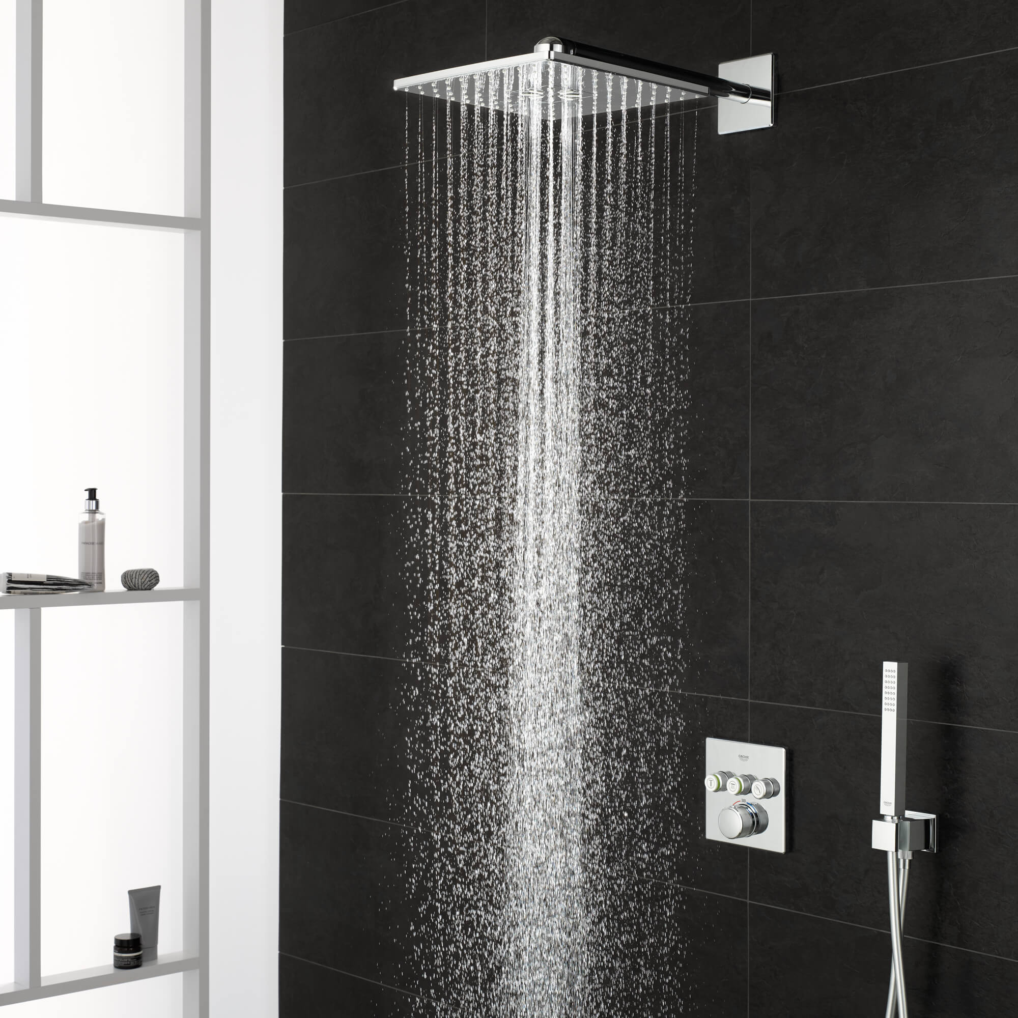 GROHE Smart Control Shower with water on