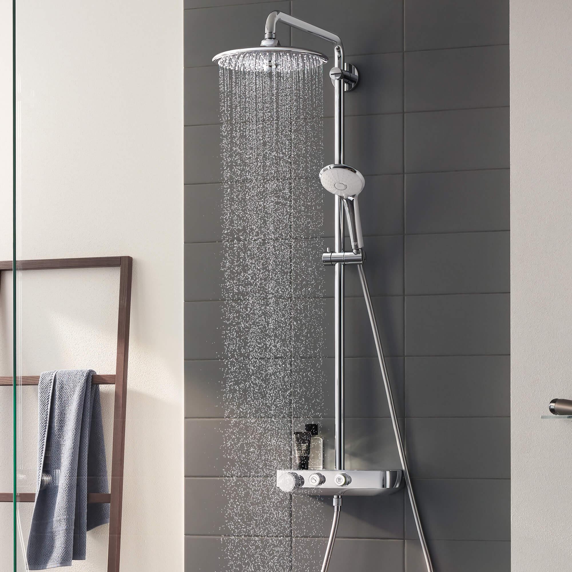 GROHE Smart Control Douche avec de l'eau sur