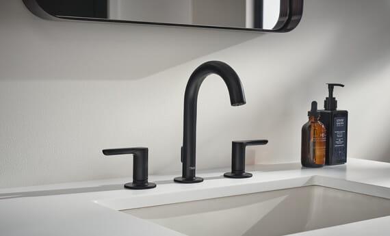 Studio S Widespread Faucet in Matte Black